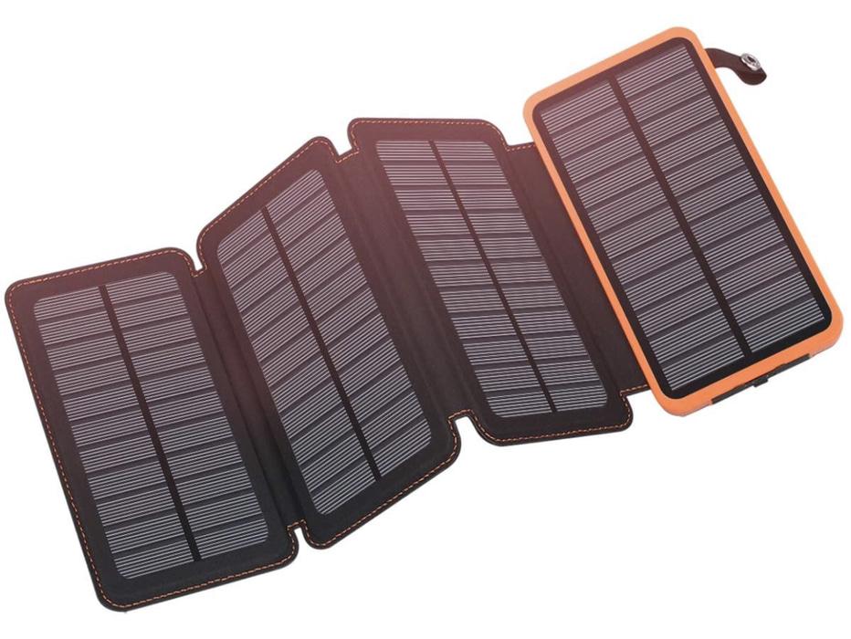 A display of the Feelle 25000mAh Solar Power Bank